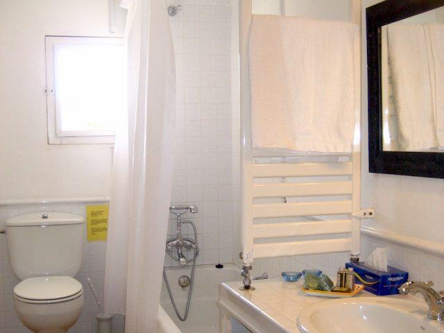 Manto Negro - Badezimmer