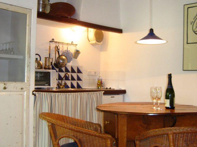 Merlot - kitchen