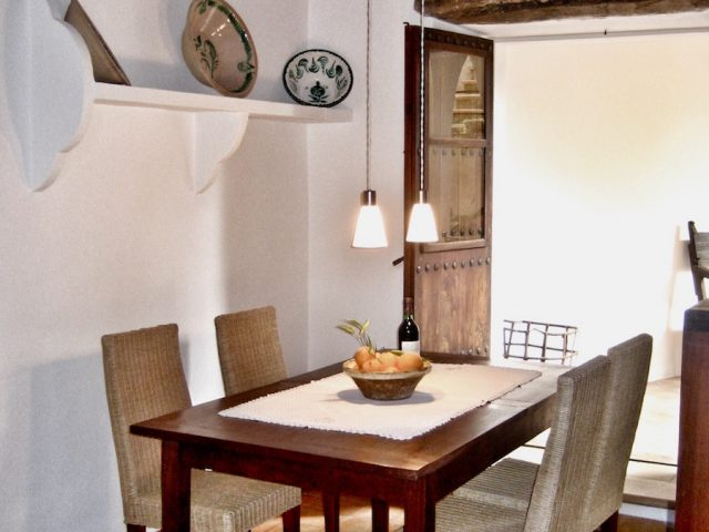 Manto Negro - the dining room
