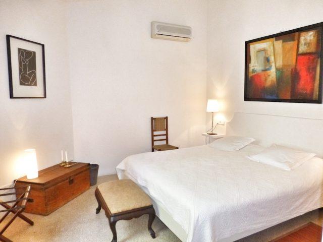 Merlot - bedroom