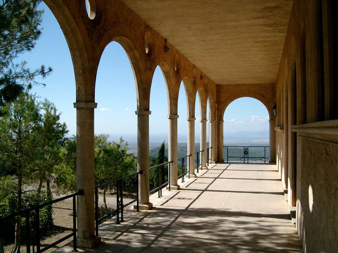 La terraza del monasterio Cura Randa con impresionantes vistas