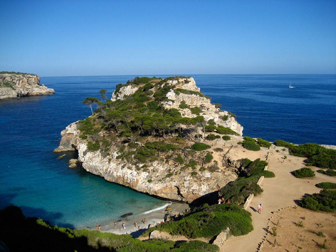 Una de las bonitas calas en el sur de Mallorca
