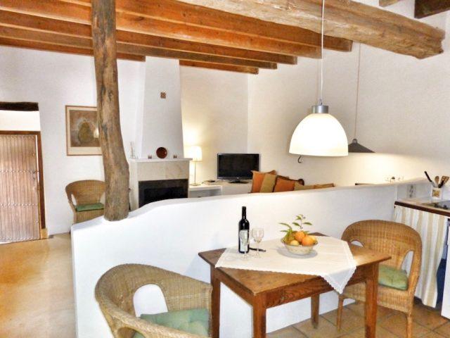 Moscatell Küche mit Wohnraum