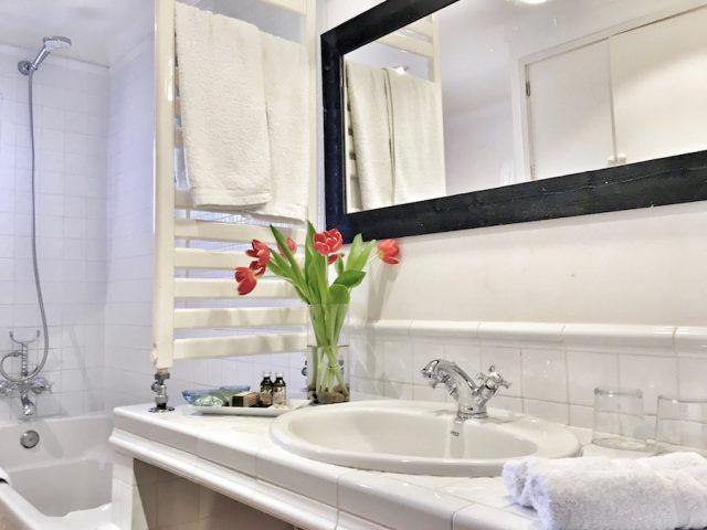 Manto Negro - el baño