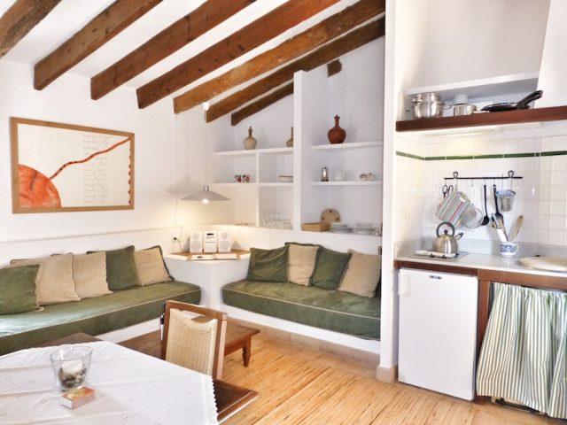 Garnacha - living room